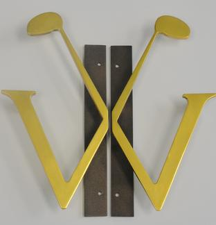 logo country club handle