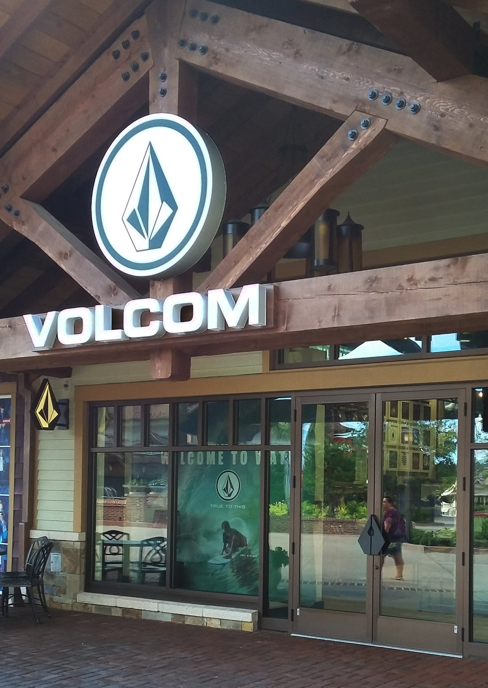 Custom Volcom Door Handle First Impressions