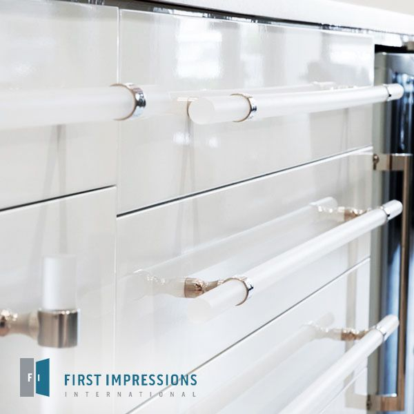 Fine Acrylic Cabinet Hardware Contemporary - Bathtub for Bathroom ...