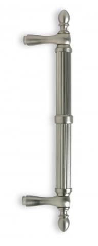Garnet 1 Door Pull Tubular Round Reeded Grip Center Ring Finials and Straight Post Mounts in Brass